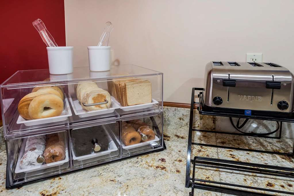 Gallery image of Comfort Inn Staten Island
