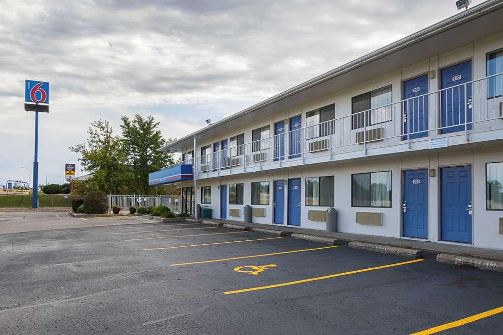 6 Rochester Motel