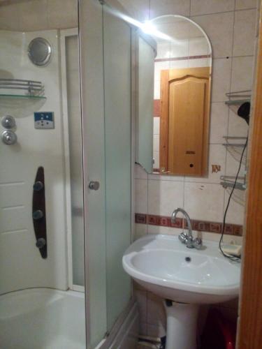 Apartment on Klary Tsetkin 28