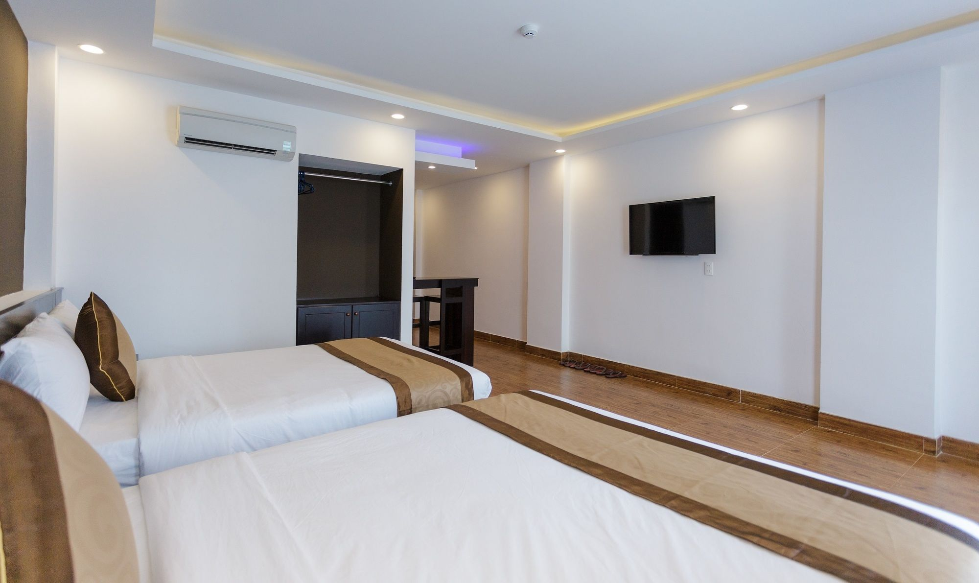 Manchester Hotel & Apartment