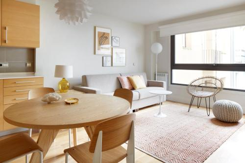 Apartment La Concha Suite 2 by FeelFree Rentals