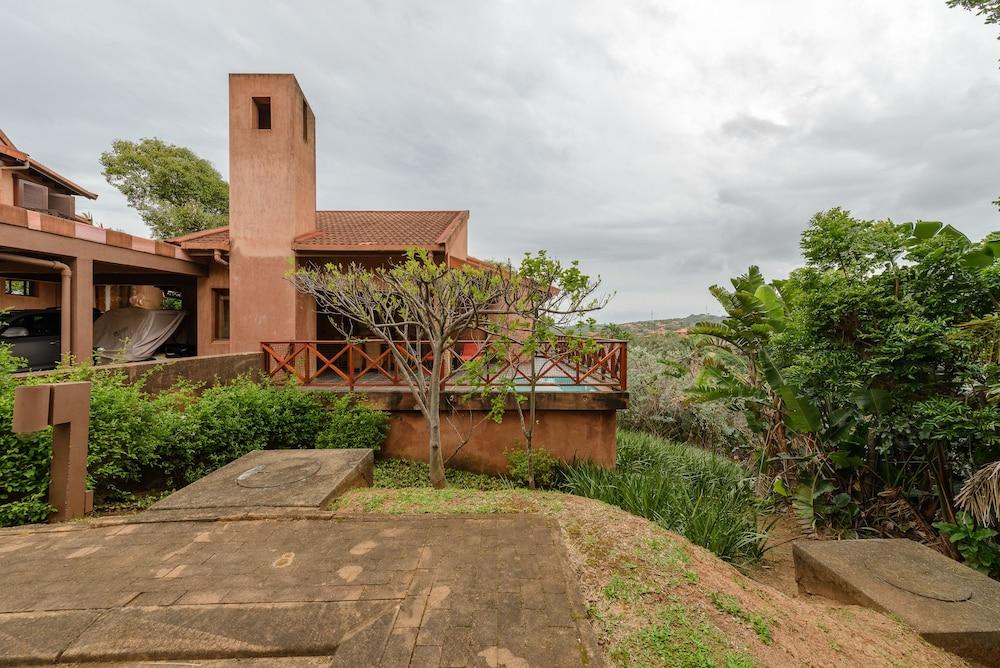 San Lameer Villa Rentals 12405
