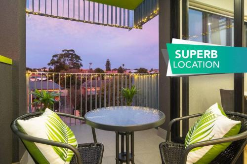 Canopy @ 44 Minutes from the CBD Train and Cafes Wifi Nespresso Amenities
