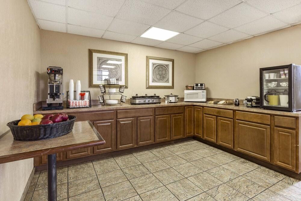 Gallery image of Arbor Suites Medical Mile