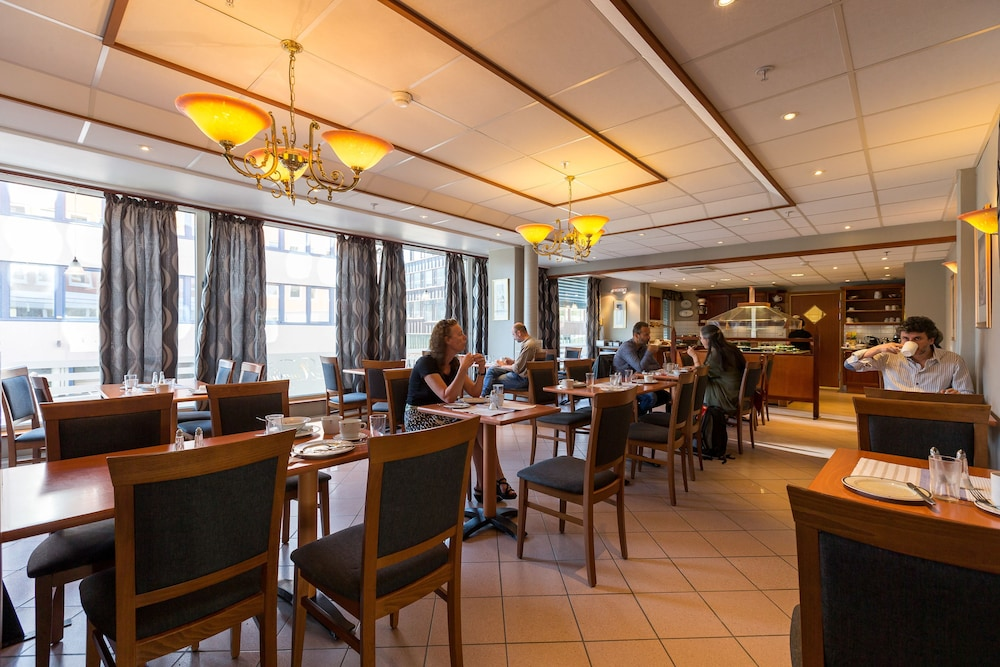 Gallery image of Enter Amalie Hotel