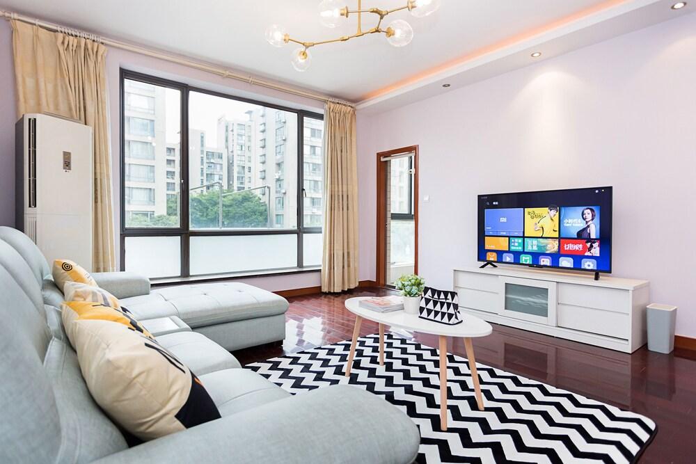 Good Time Travellers Inn Shanghai New International Expo Apartment