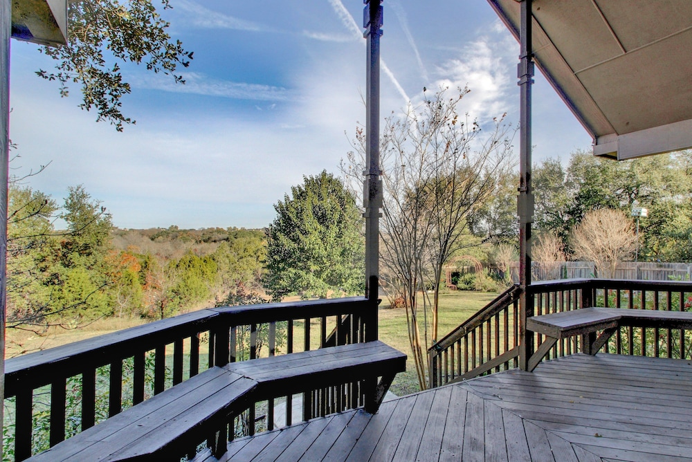 4BR 2.5BA The Lodge on Walnut Creek by RedAwning