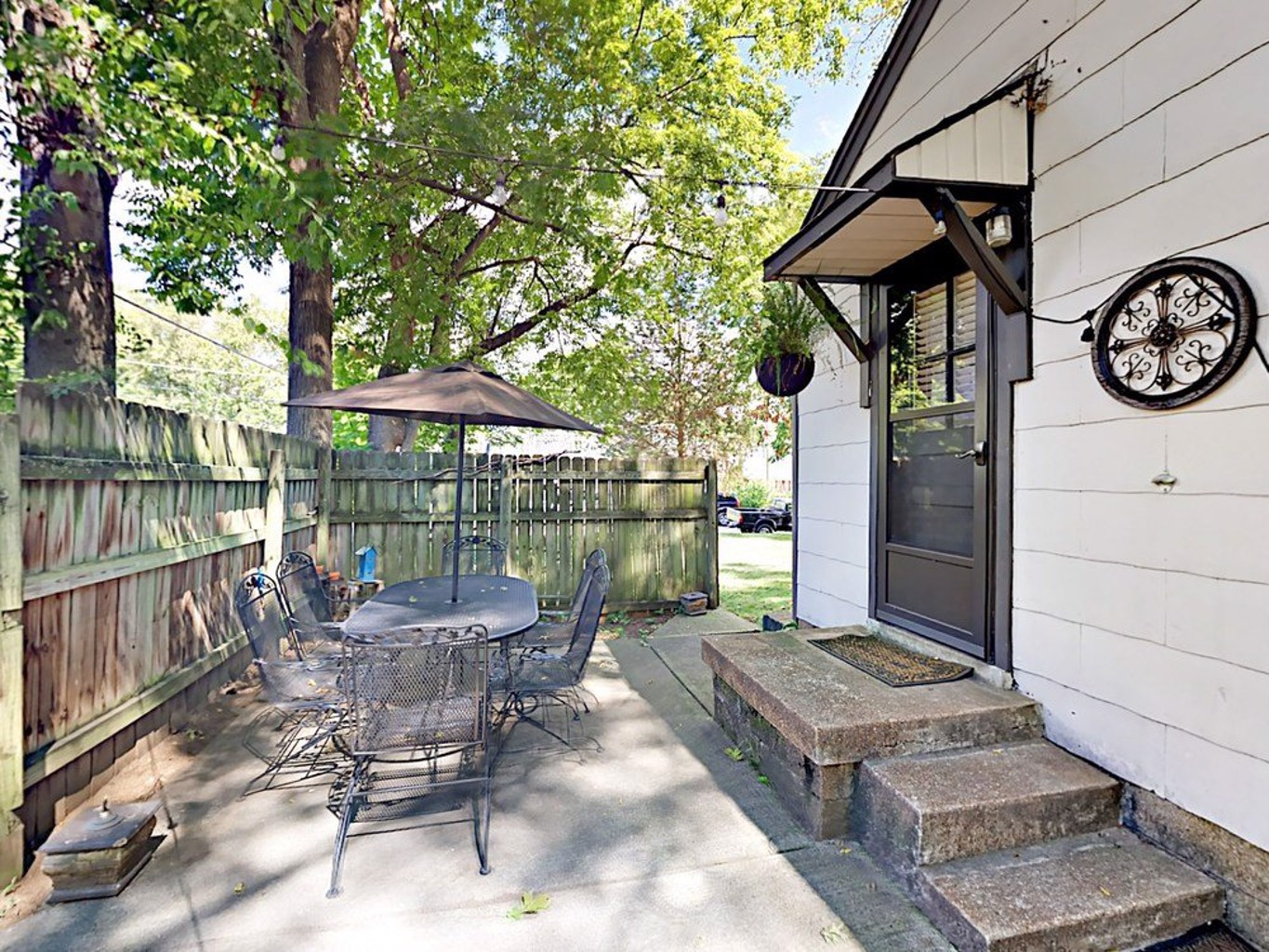 2br In Walkable & Trendy Locale 2 Bedroom Home