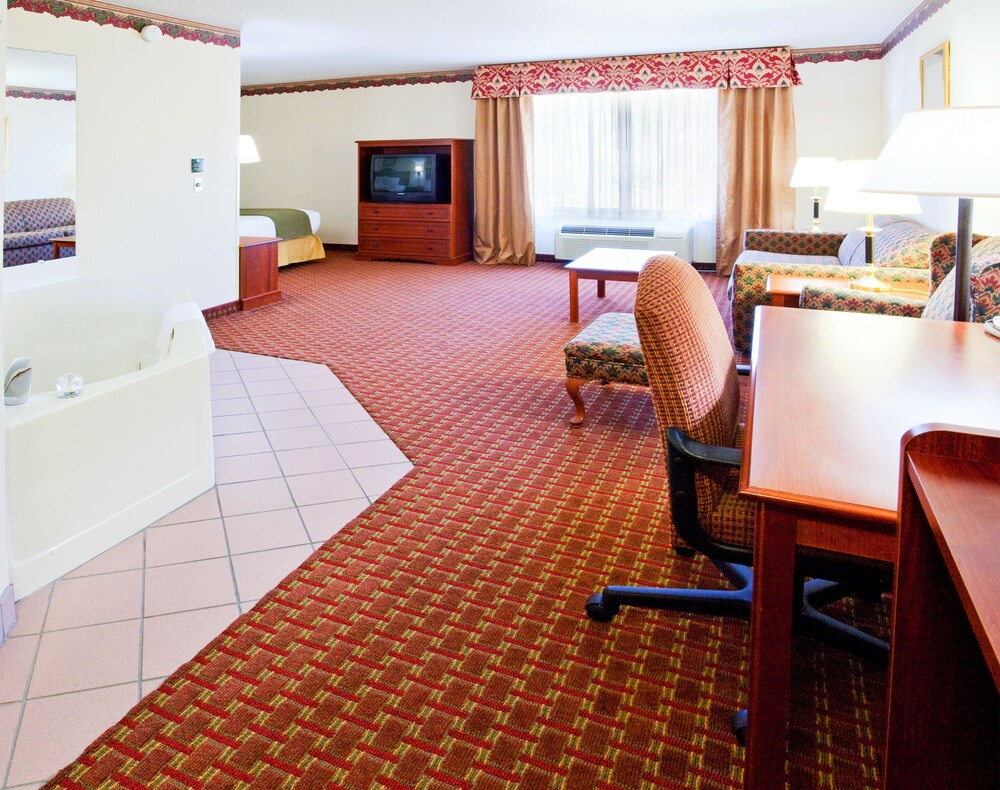 Gallery image of Holiday Inn Express Hillsville