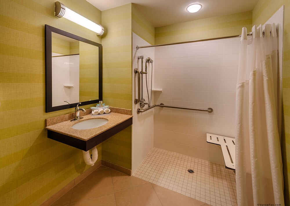 Gallery image of Holiday Inn Express Hotel & Suites Red Bluff South Redding