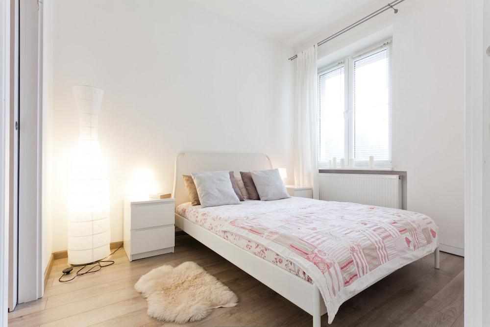 KrakowRentals Snow White Apartment