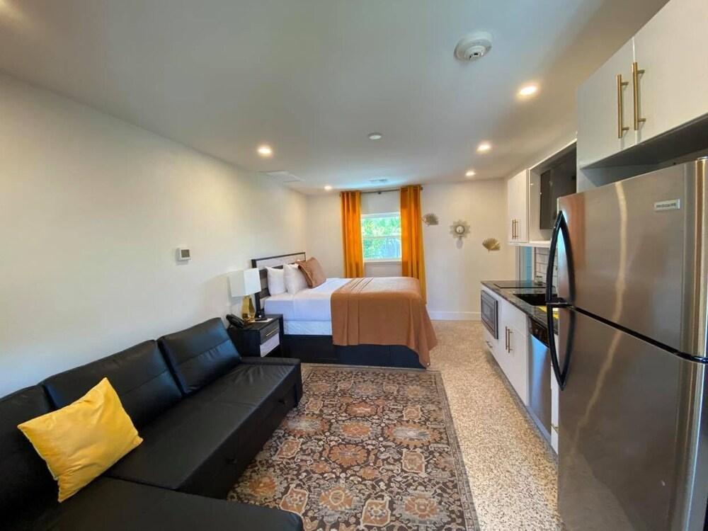 Gallery image of Captiva Beach Resort