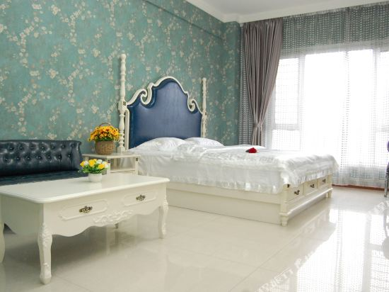Gallery image of Fashion Theme Apartment