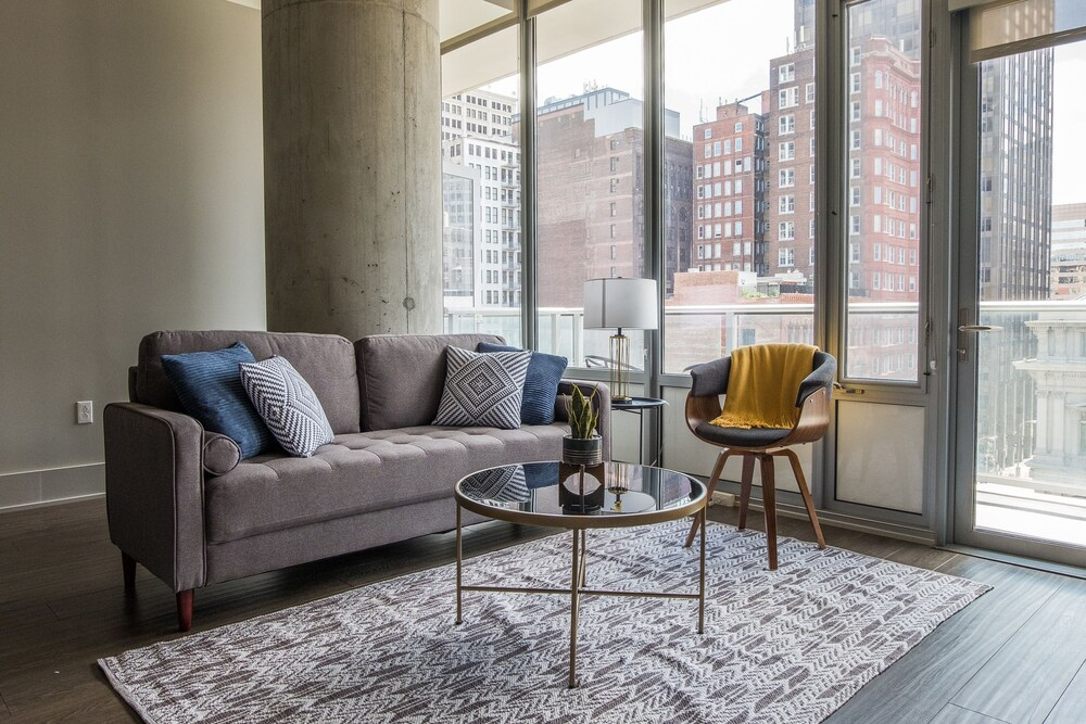 Magnificent Downtown Apartments