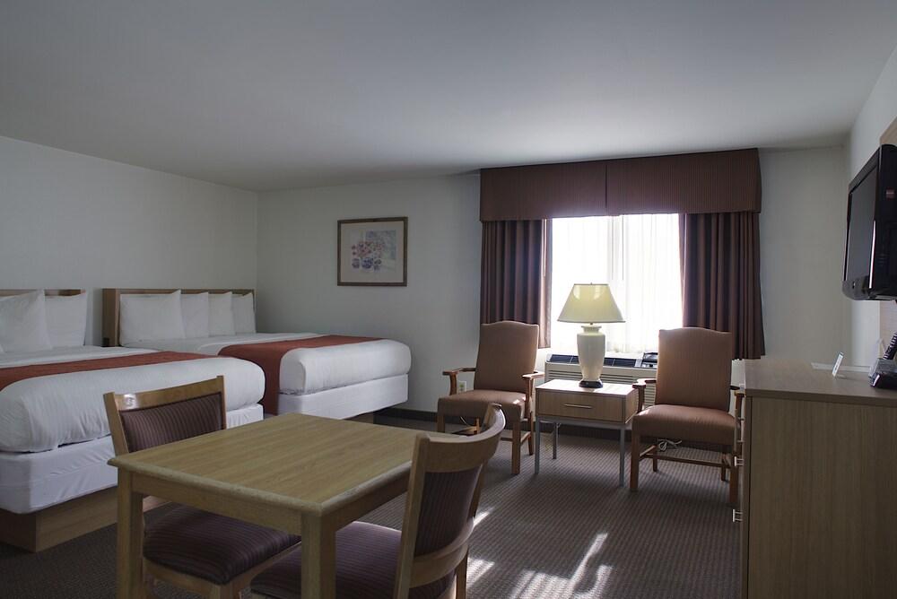 Gallery image of Aladdin Inn & Suites