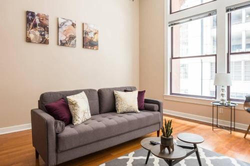 Beautiful Bright Oasis Spacious Central 1br