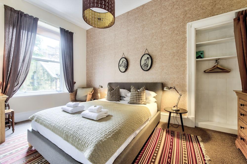 Amadeus Serviced Apartments