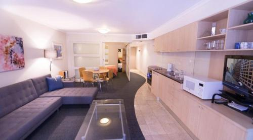 The Apartment Service PI702