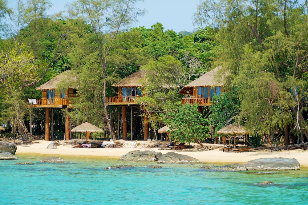 Tree House Bungalows Resort