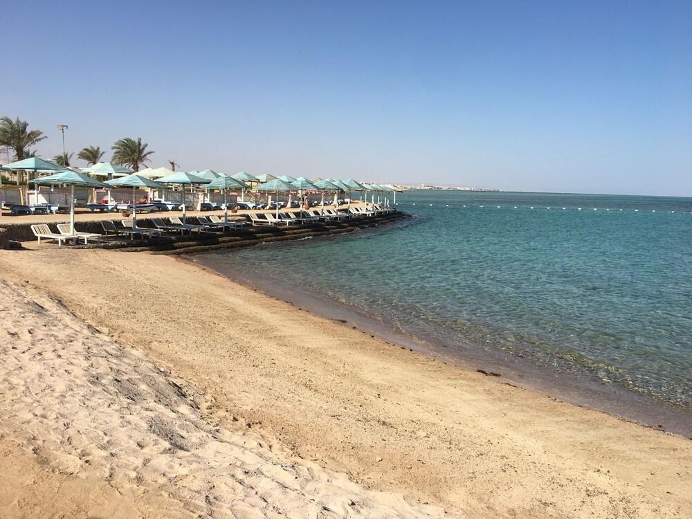 New DaVinci Beach & Diving Resort
