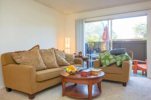 Comfy Silicon Valley Apartment