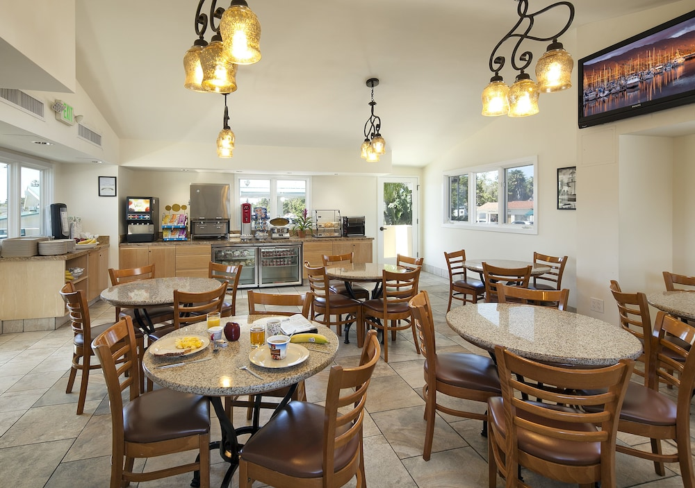 Gallery image of Sandpiper Lodge