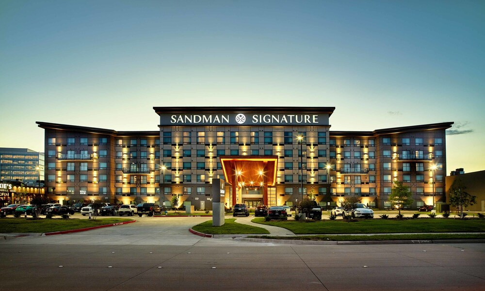 Sandman Signature Plano frisco Hotel