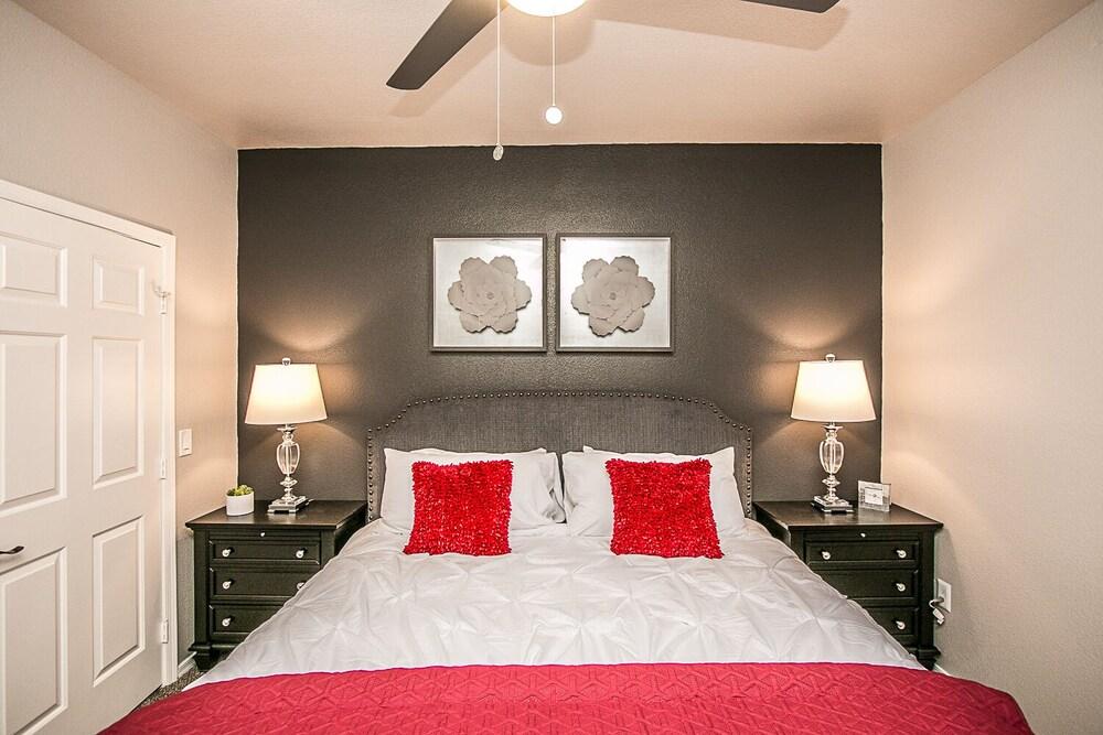 Palacio Scottsdale Executive 2 bedroom King Close to Kierland & TPC with Parking
