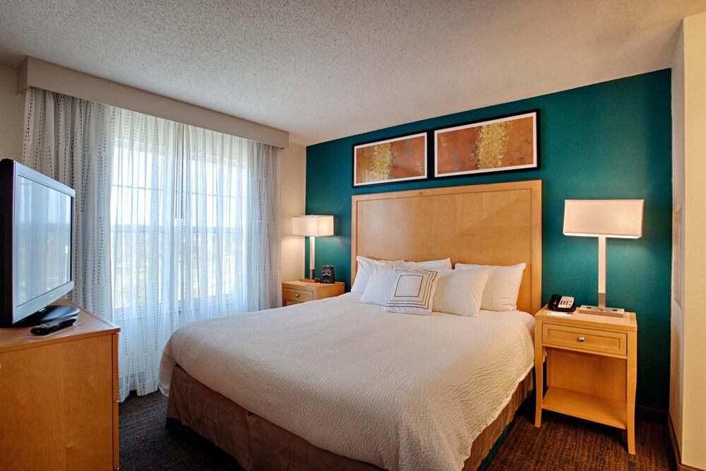 Gallery image of Residence Inn by Marriott Neptune at Gateway Center