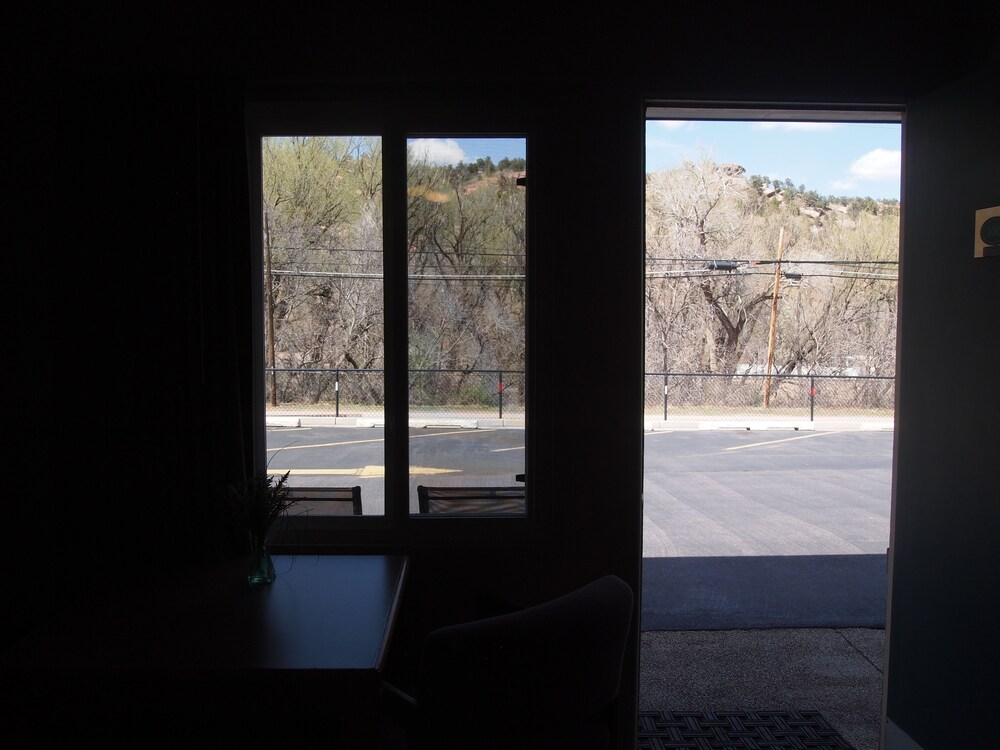 Gallery image of Eagle Motel