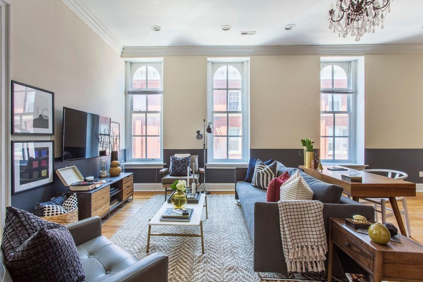 Chic 2br 1ba Apt Near the Liberty Bell by Domio