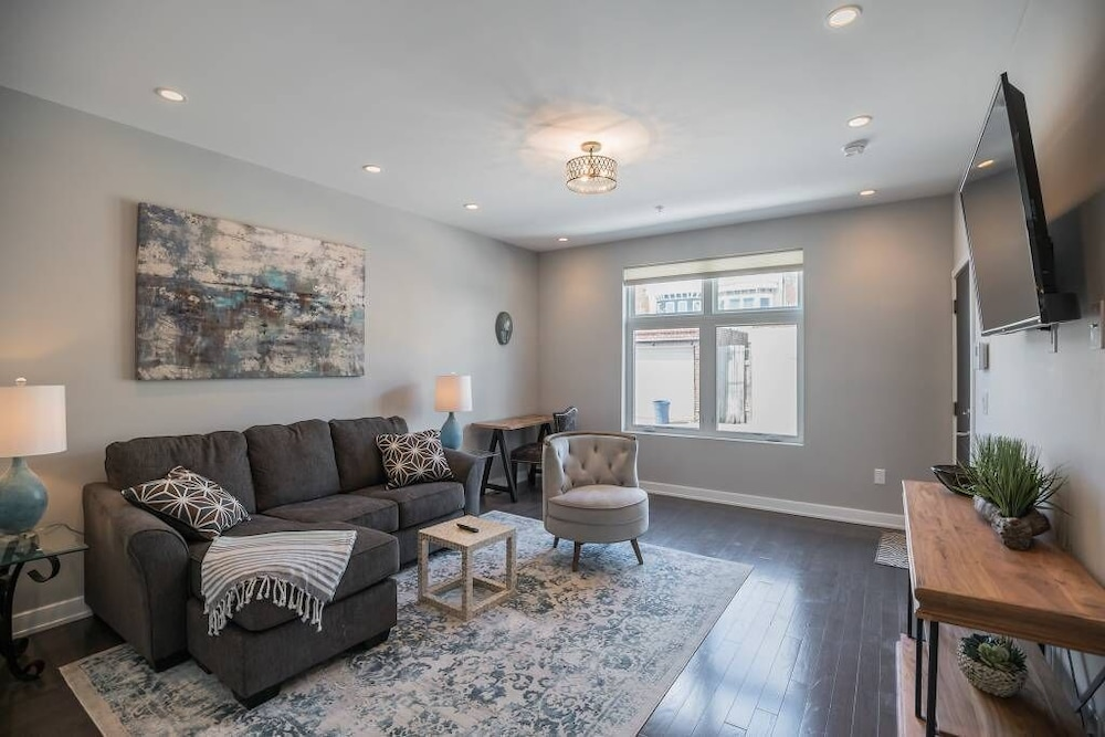 Two bedroom two bathroom home in Fairmount