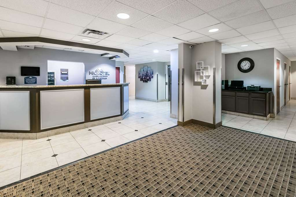 Gallery image of Microtel Inn & Suites by Wyndham Scott Lafayette