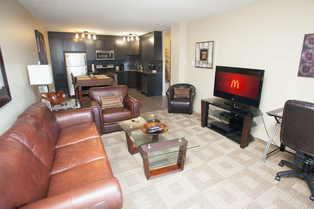 Corporate Suites of Calgary Eightwelve