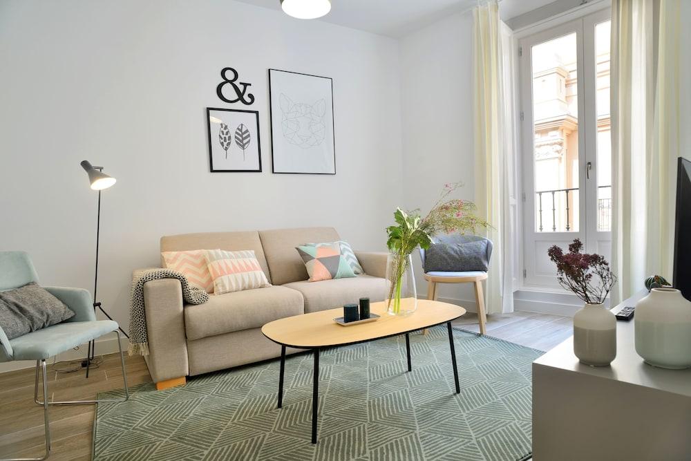 Aspasios Gran Vía Apartments