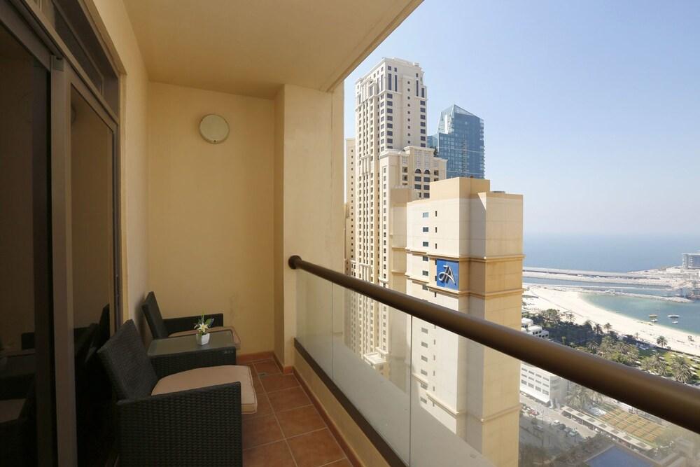 Kennedy Towers Amwaj 4