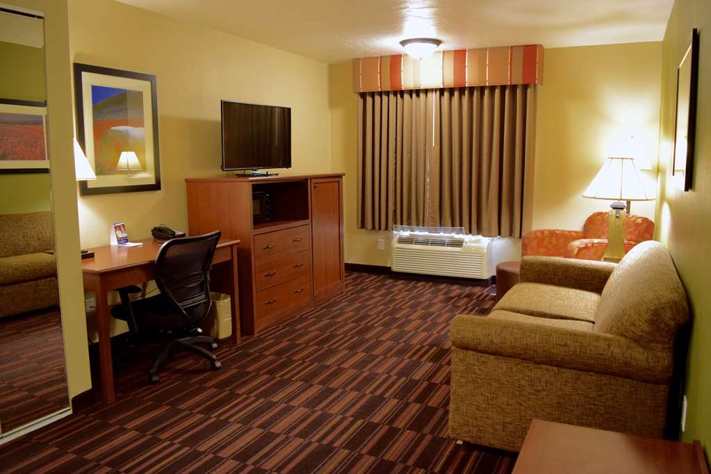 Gallery image of Best Western Town & Country Inn