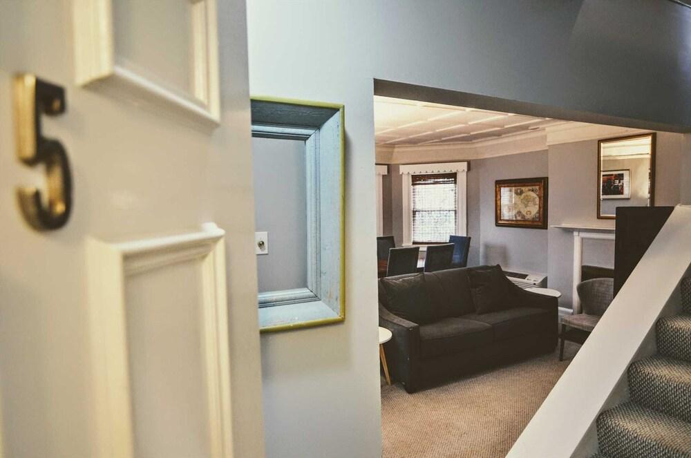 1331 Northwest Apartment #1070 1 Br Apts