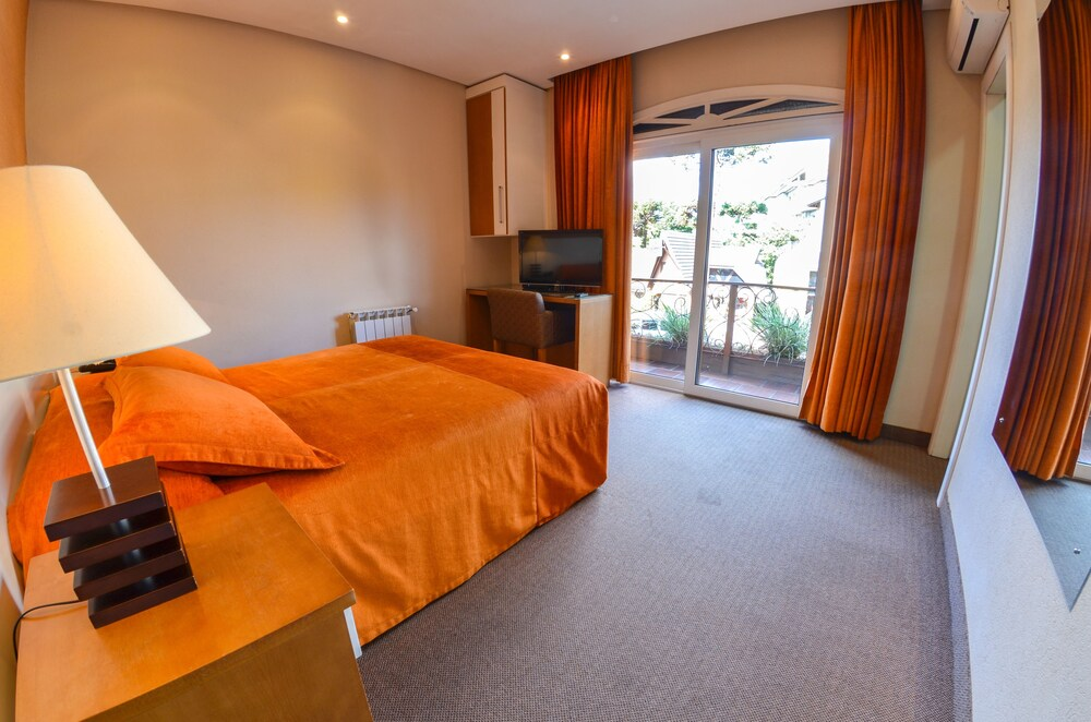 Gallery image of Hotel Canto Belo