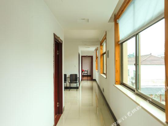Gallery image of Yuwei Hotel