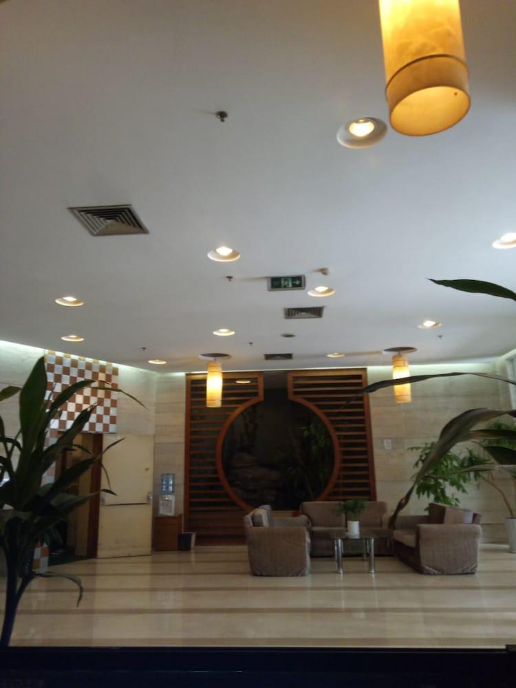 3rd degree Seascape Apartment Hotel