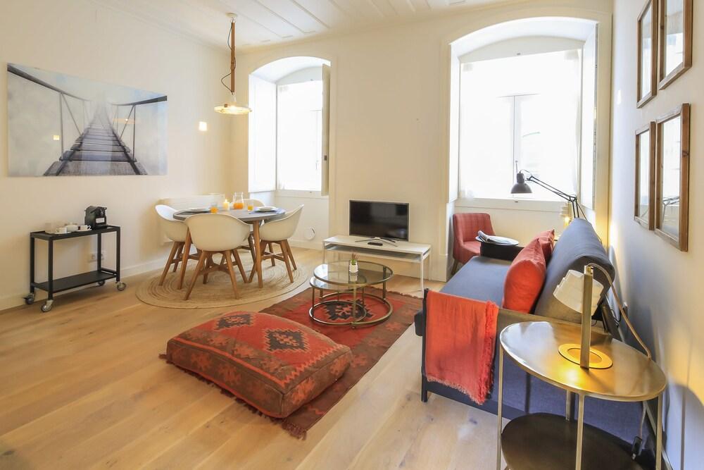Bairro Alto Apartments by linc