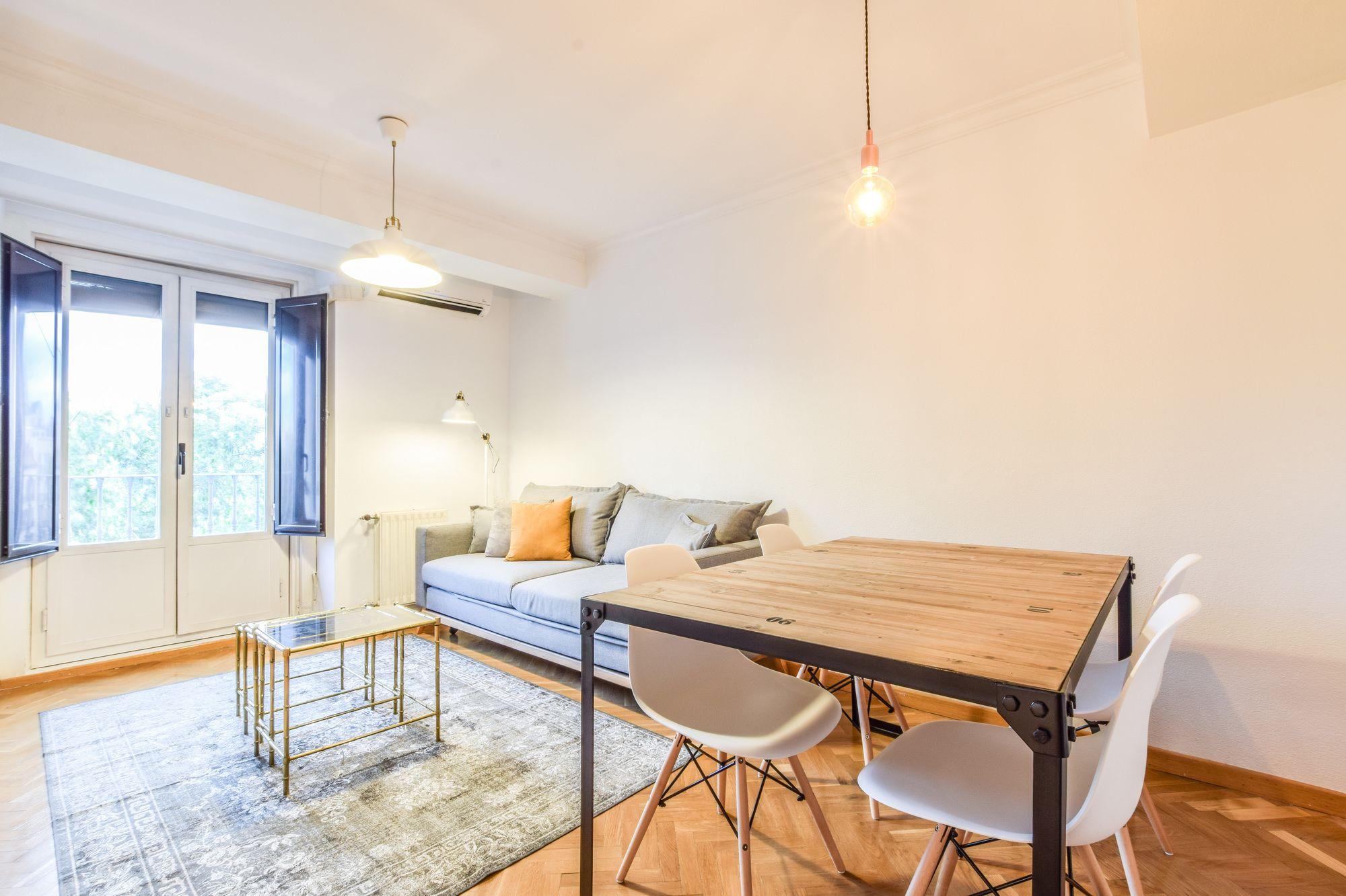 Room to Rent Tirso de Molina
