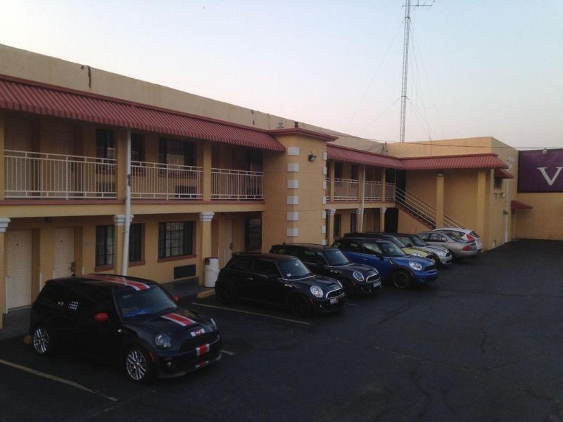Gallery image of Vista Inn & Suites Downtown Memphis