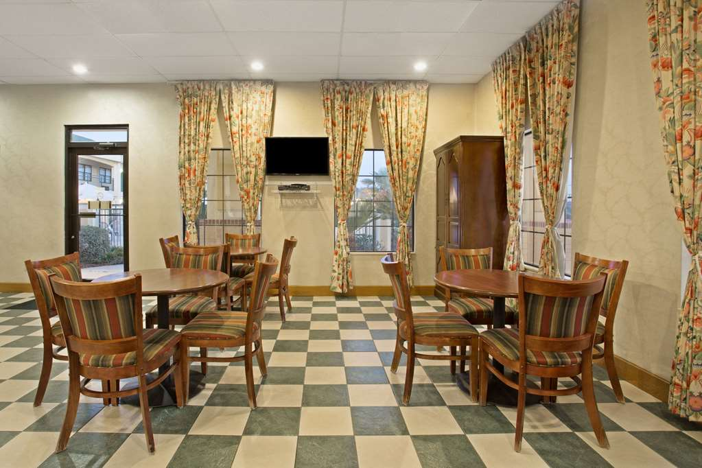 Gallery image of Days Inn by Wyndham Hammond