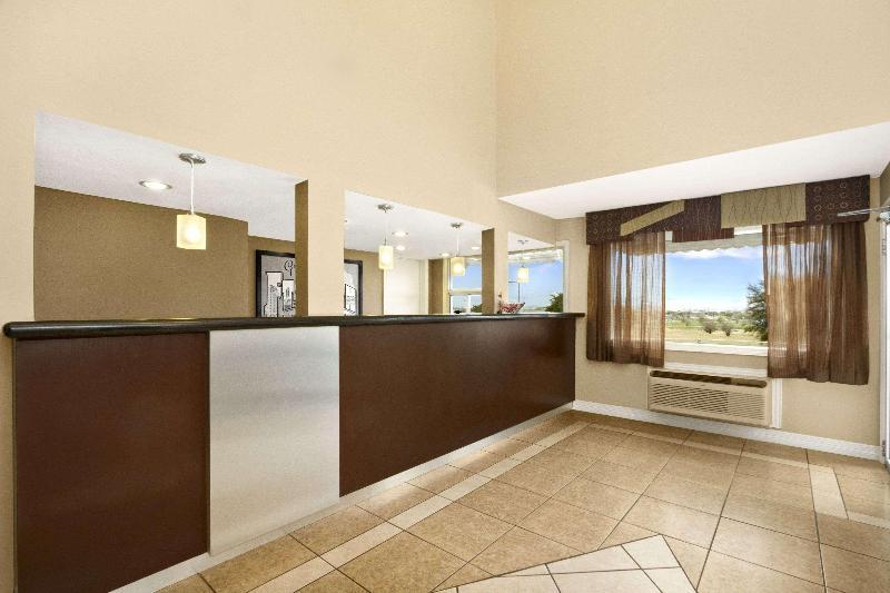 Gallery image of Super 8 by Wyndham Fort Worth TX
