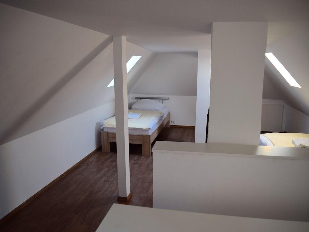 AB Apartment 63