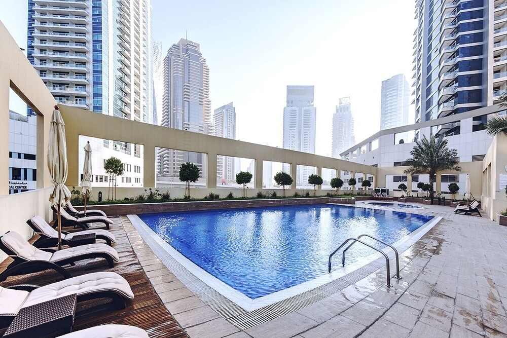 One Perfect Stay Royal Oceanic Tower