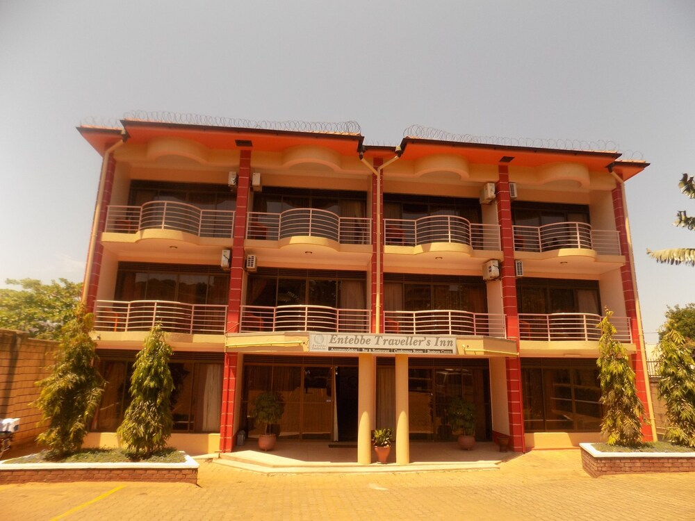 Entebbe Travelle'rs Inn