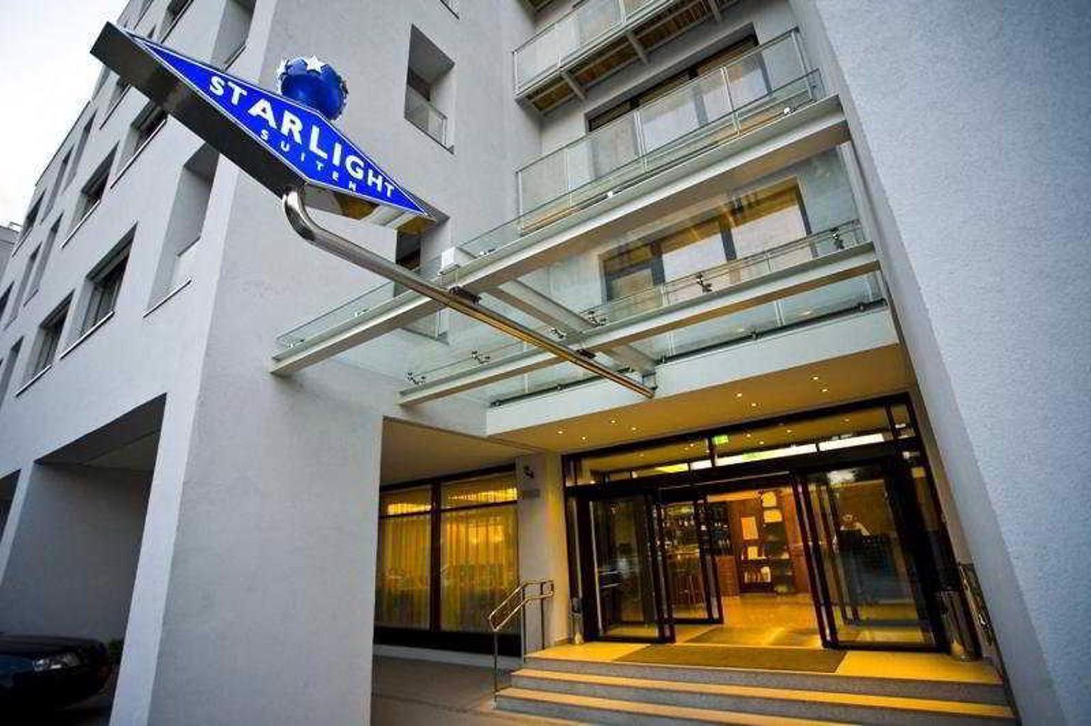 Starlight Suites Hotel